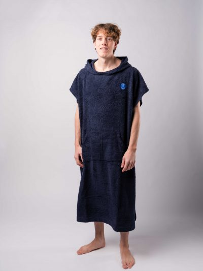 surf poncho azul oscuro